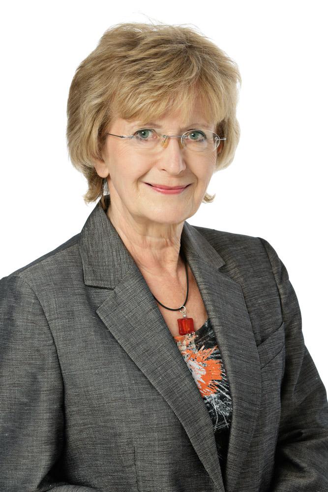 Lahikainen Riitta : Espoon vanhusneuvoston jäsen