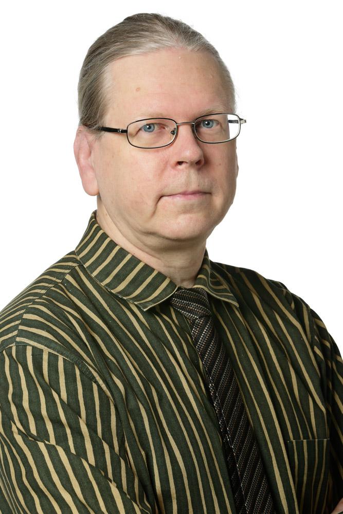 Niiranen Seppo : uskottu mies, kaupunkikuvatoimikunnan varajäsen, Espoon taidemuseosäätiön hallituksen jäsen