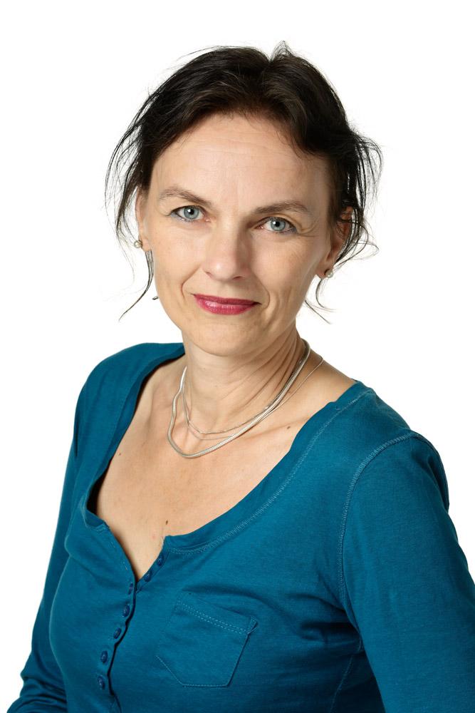 Sykäri Jaana : Espoon tanssiopiston johtokunnan jäsen
