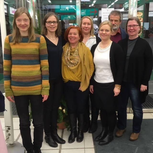 Vasemmalta Hanna Pohjakallio, Tiina Elo (pj), Mirjami Vuori, Sanna Kausniemi, Jenni Koski, Aku Kopakkala, Heidi Sipilä. Kuvasta puuttuu vpj Noora Koponen