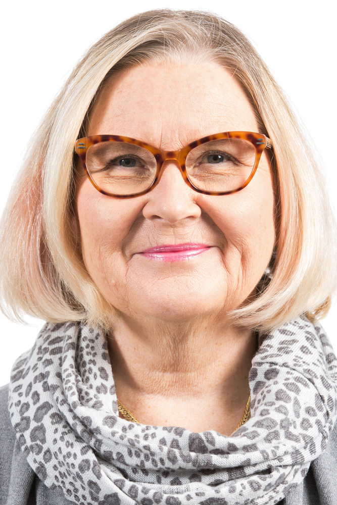 Alanen Leena : Uudenmaan Virkistysalueyhdistyksen hallituksen jäsen, Helsingin kesäyliopistosäätiiön hallituksen varajäsen