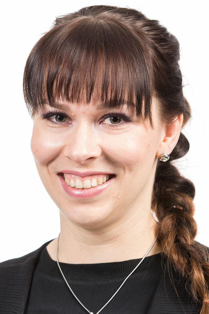 Koponen Noora : Kansanedustaja, valtuutettu, Hyvinvoiva Espoo -kehitysohjelmaryhmän varapuheenjohtaja