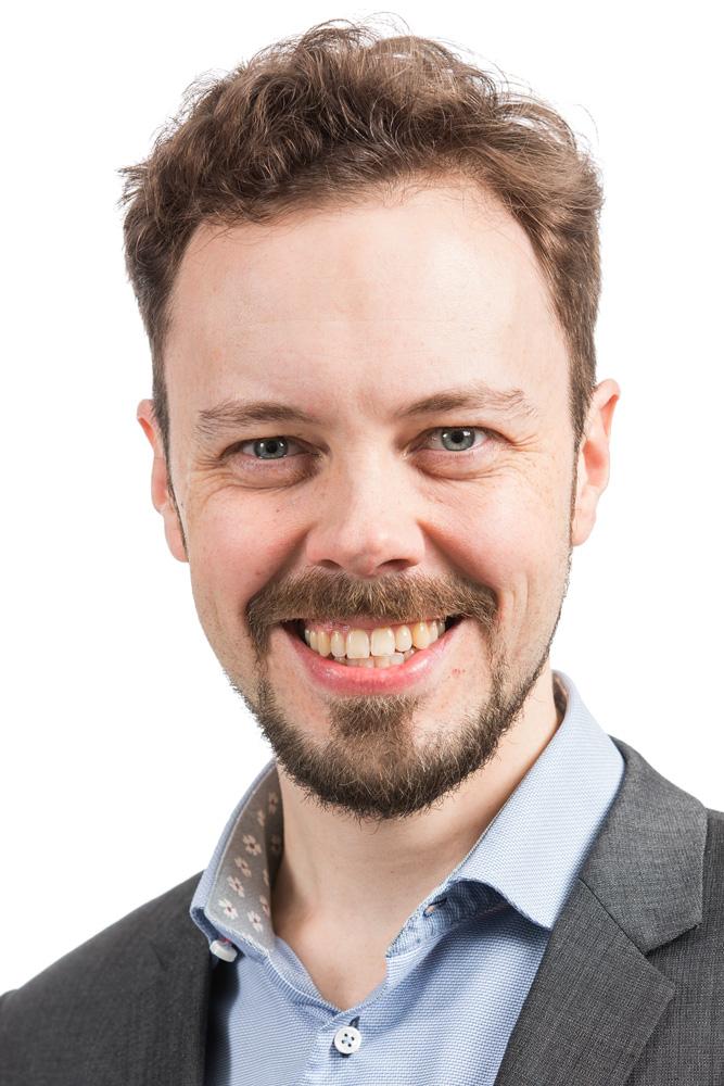 Hätönen Pekka : tarkastuslautakunnan varajäsen, poliisilaitoksen neuvottelukunnan jäsen, kellomuseosäätiön hallituksen jäsen