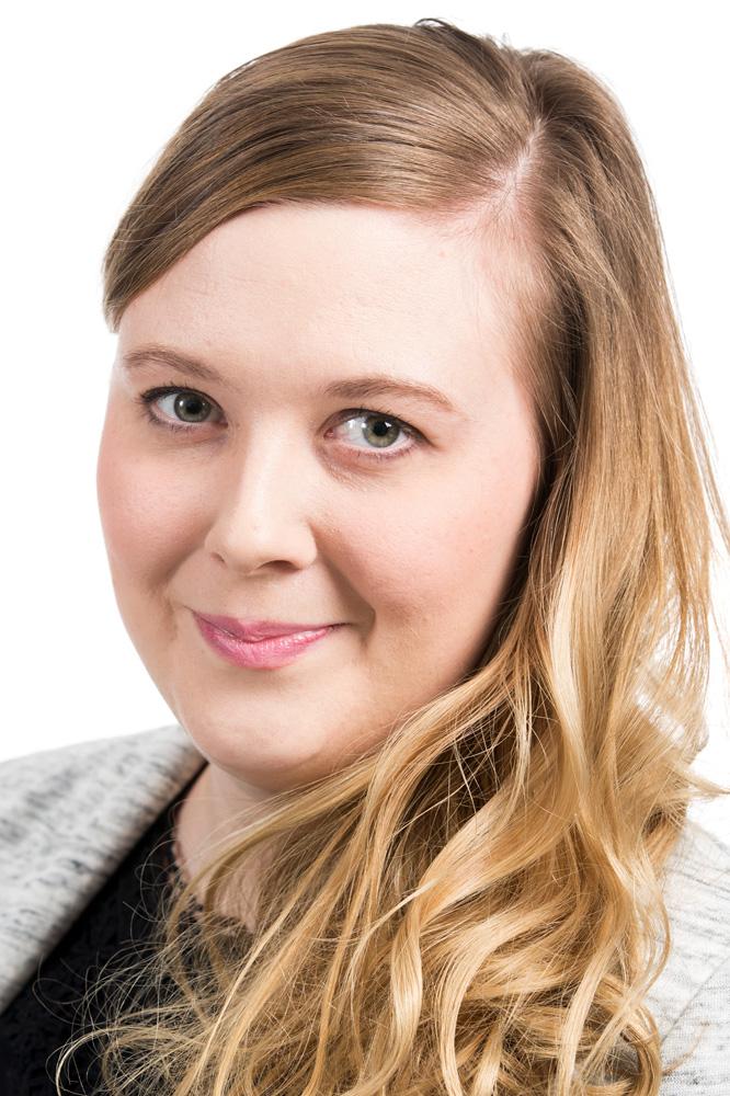 Finström Verna : 1. varavaltuutettu, kulttuurilautakunnan varapuheenjohtaja
